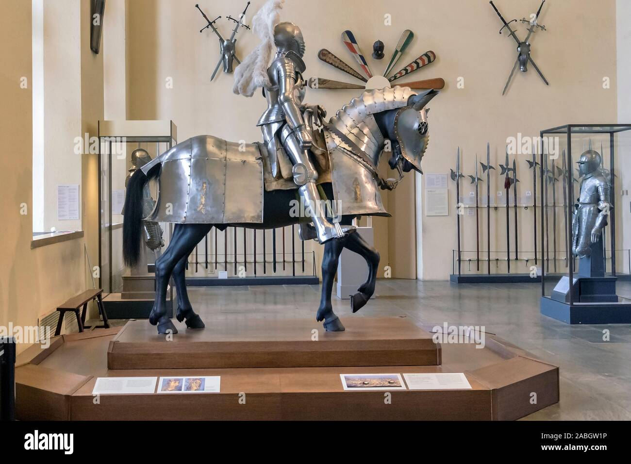 """Large Medieval Suit Of Armor European Knight With Sword Riding Horse Statue 13/""""L"""