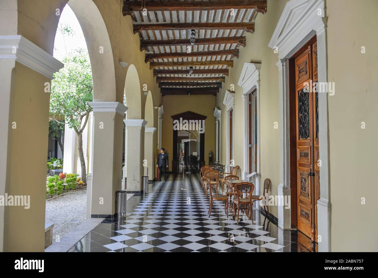 Bogengang, Innenhof, Casa de Montejo, Plaza de la Independencia, Merida, Yucatan, Mexiko Stock Photo