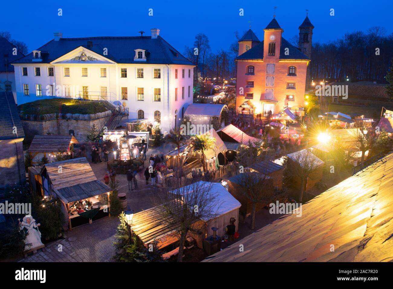 KöNigstein Christmas Market 2020 01 December 2019, Saxony, Königstein: The sales stands at the