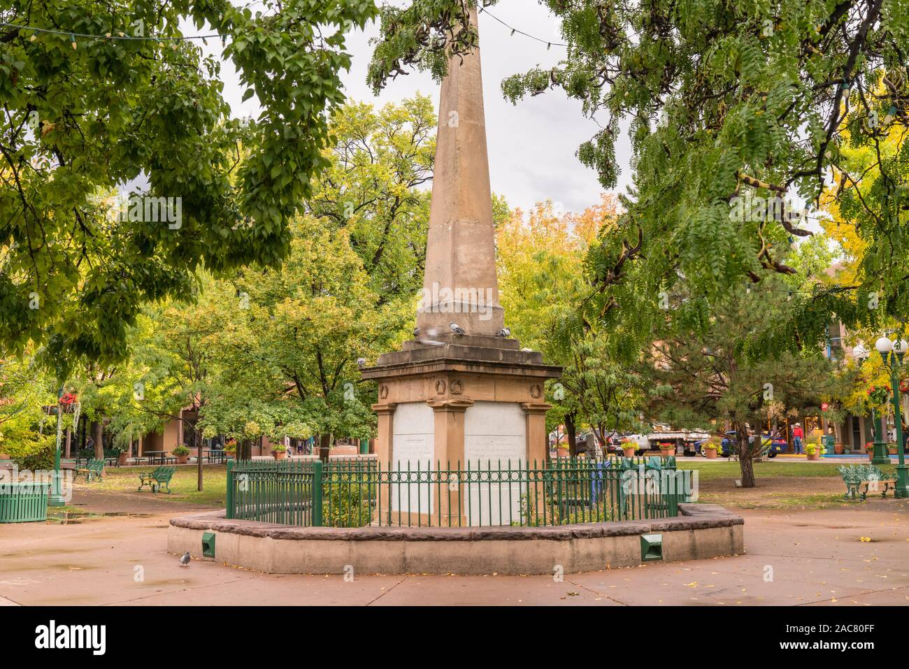 """Santa Fe, New Mexico - October 4, 2019: Santa Fe Plaza is a central square and tourist attraction.  It is also known as the """"Heart of Santa Fe"""" Stock Photo"""