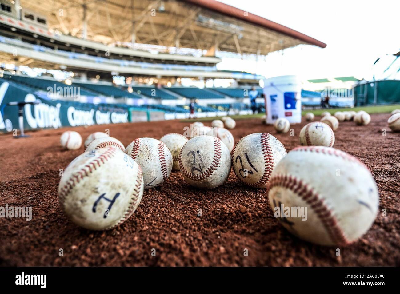 Detalles las costuras de pelota de beisbol. Acciones durante el encuentro de beisbol entre Algodoneros vs Naranjeros. Liga Mexicana del Pacifico a 1dic2019 2019 2020.   (© Photo: LuisGutierrez / NortePhoto.com) © Stock Photo