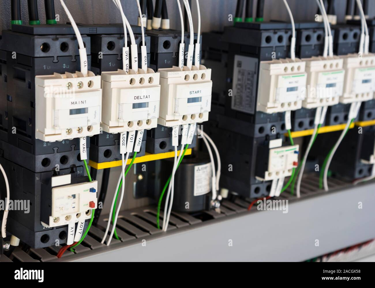 [DHAV_9290]  wired electrical board with terminals for industrial machine Stock Photo -  Alamy | Industrial Machine Wiring |  | Alamy