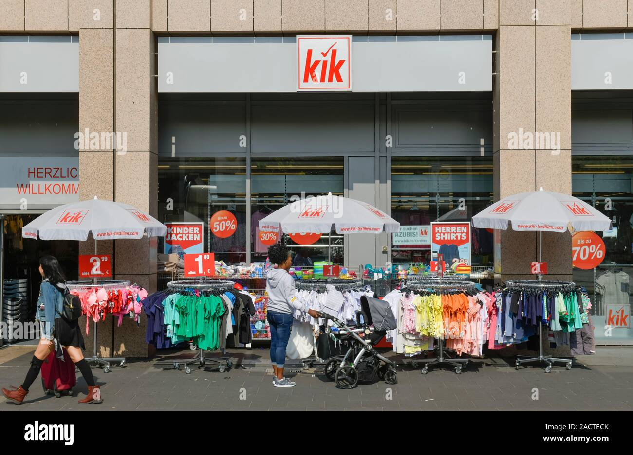 kik high resolution stock photography and images - alamy
