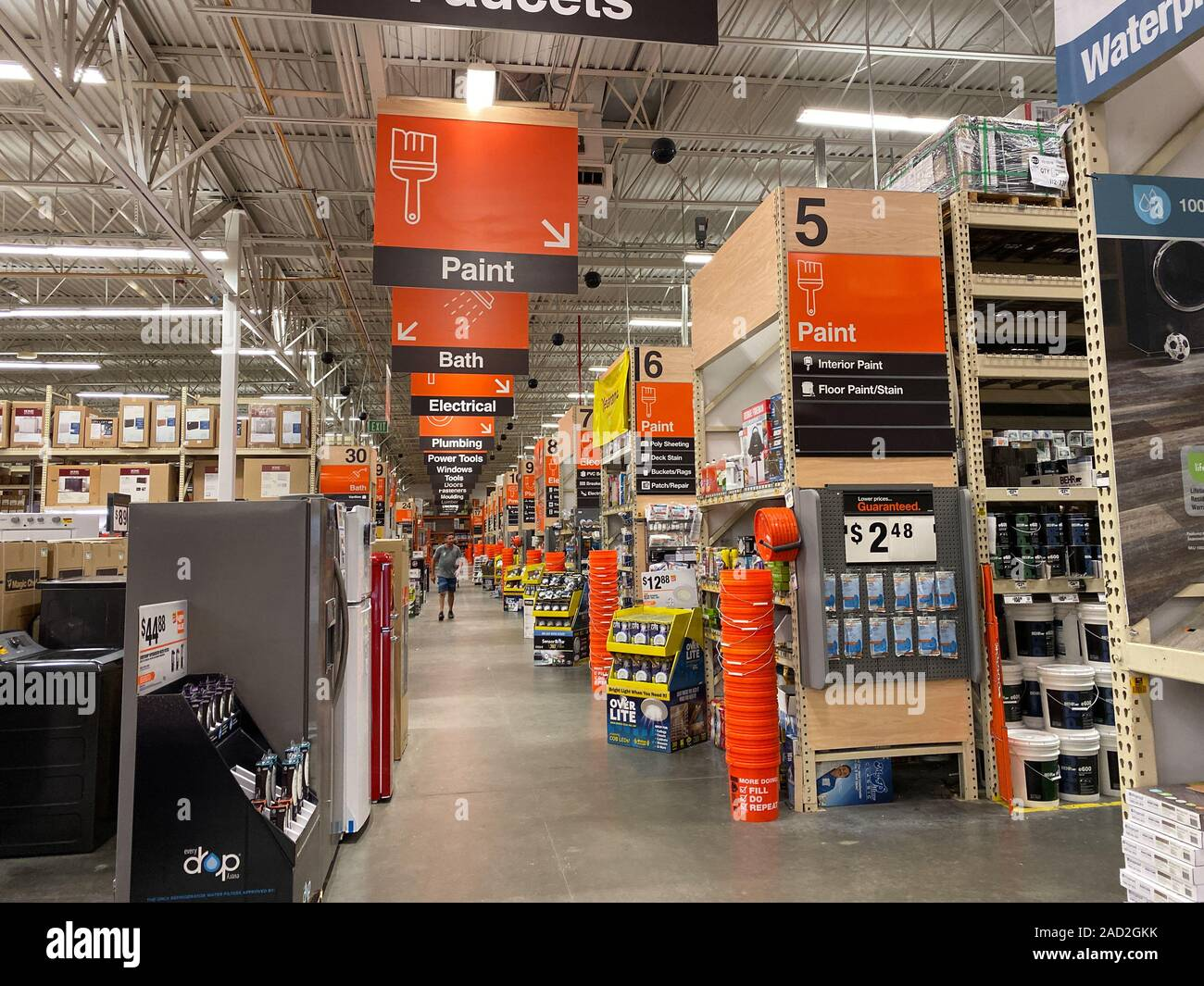 Orlando Fl Usa 11 11 19 The Signs Hanging From The Ceiling At Home Depot Home Improvement Store That Designate What Departments Are In The Aisle Whil Stock Photo Alamy