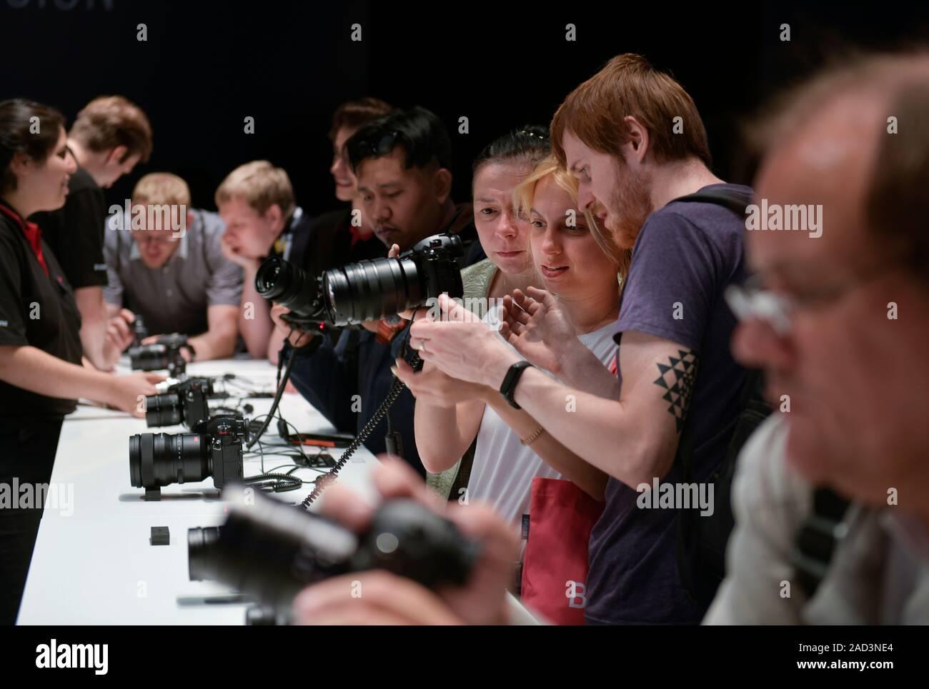 Kameras am Stand von Lumix, Internationale Funkaustellung, Berlin 2019, Deutschland Stock Photo