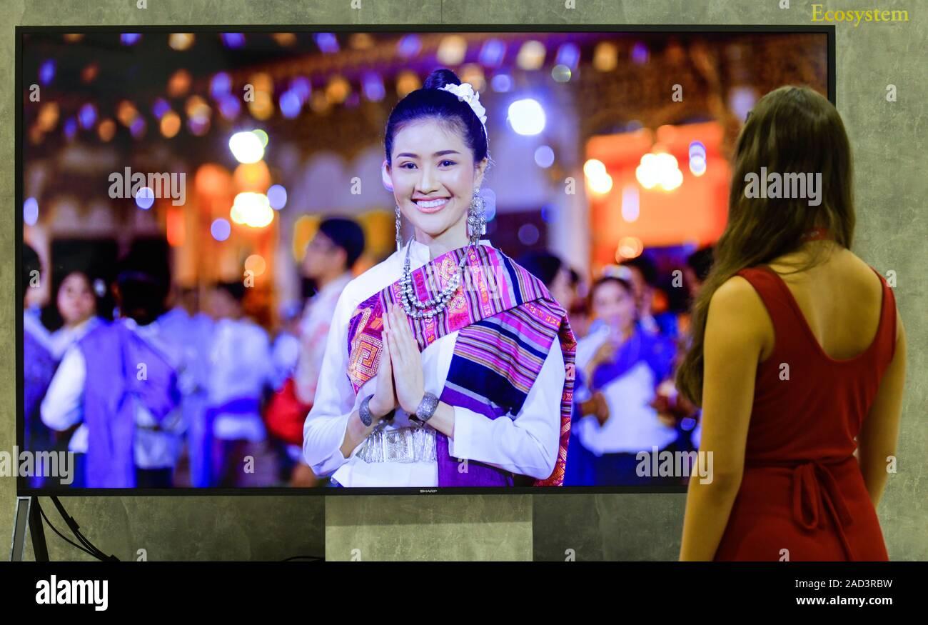 120 Zoll 8k LCD Fernseher von Sharp, Internationale Funkaustellung, Berlin 2019, Deutschland Stock Photo
