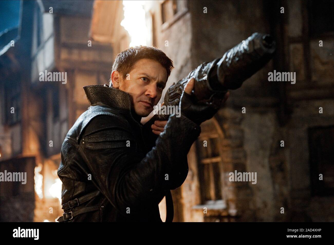 Jeremy Renner Hansel And Gretel Witch Hunters 2013 Stock Photo Alamy