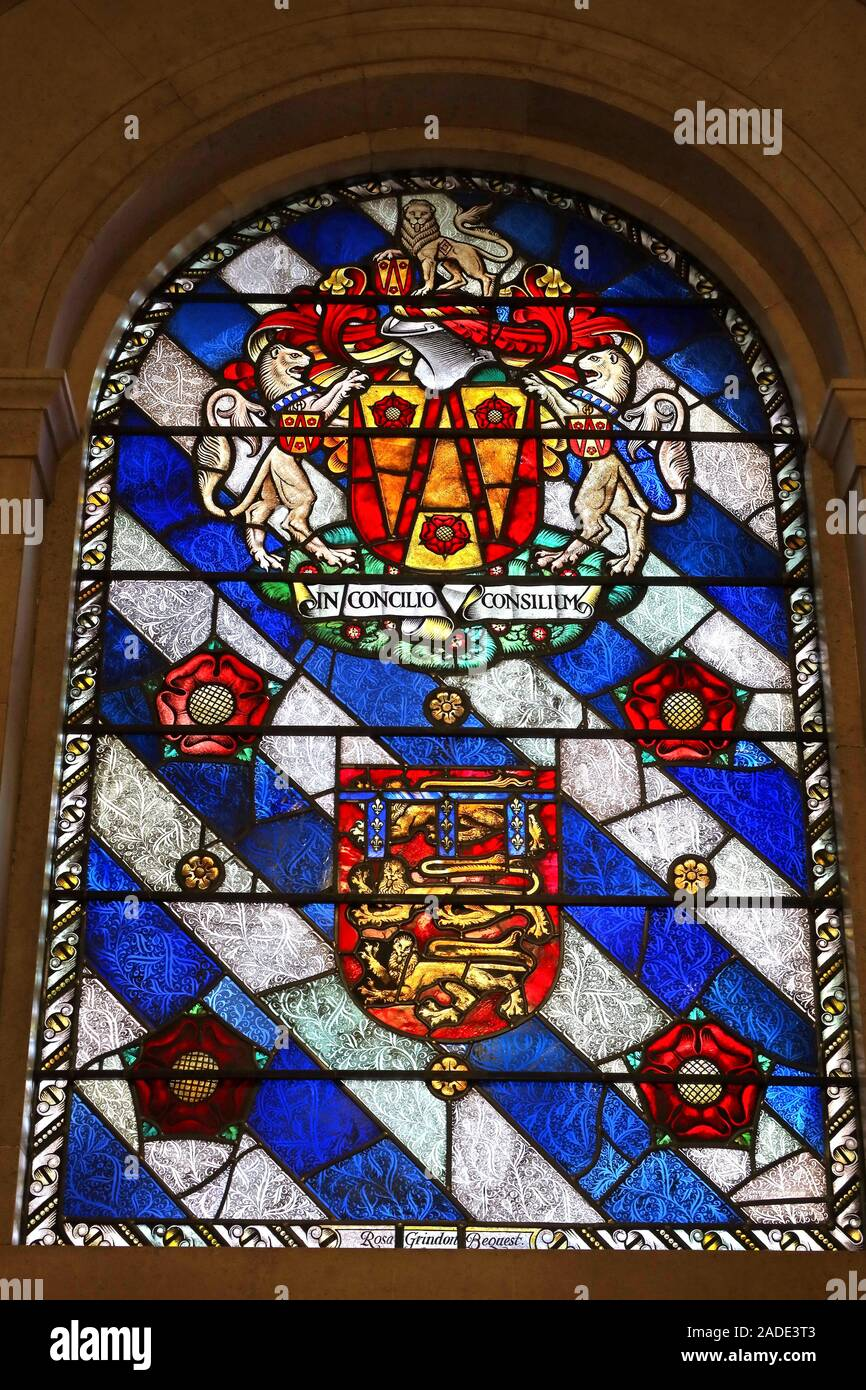 Lancashire County Council crest,stained glass window,Manchester Central Library,IN CONCILIO CONSILIUM - In council is wisdom Stock Photo