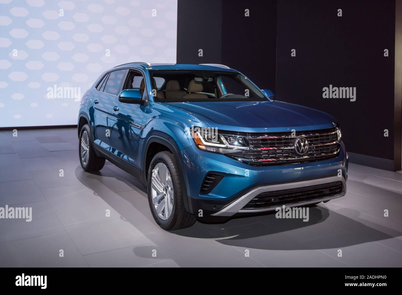 Los Angeles Ca Usa November 20 2019 A 2020 Volkswagen Atlas Cross Sport Suv At The Los Angeles Auto Show Stock Photo Alamy