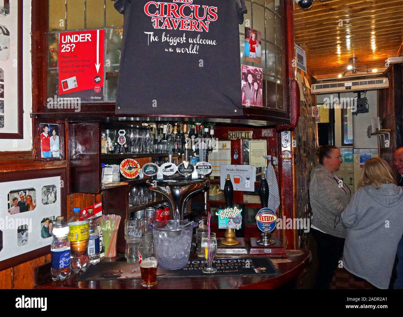 The Circus Tavern pub, 86 Portland St, Manchester, England, M1 4GX - Smallest pub in Europe, interior bar area Stock Photo
