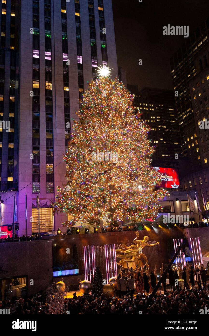 new york ny december 4 2019 87th annual rockefeller center christmas tree lighting ceremony finale at rockefeller center stock photo alamy alamy