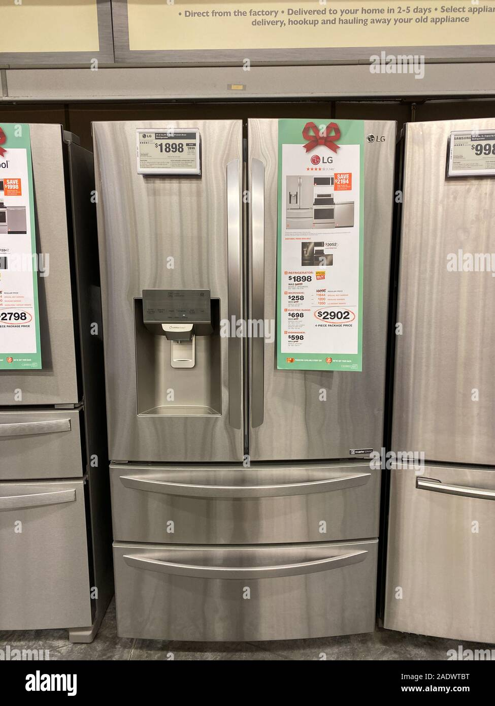 Orlando Fl Usa 11 11 19 A Lg Stainless Steel French Door Refrigerator On Sale At A Home Depot Store Stock Photo Alamy