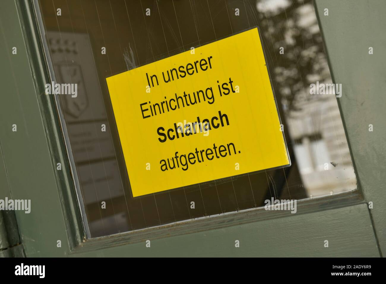 Warnschild, Scharlach, Lietzensee-Grundschule, Witzlebenstraße, Charlottenburg, Berlin, Deutschland Stock Photo
