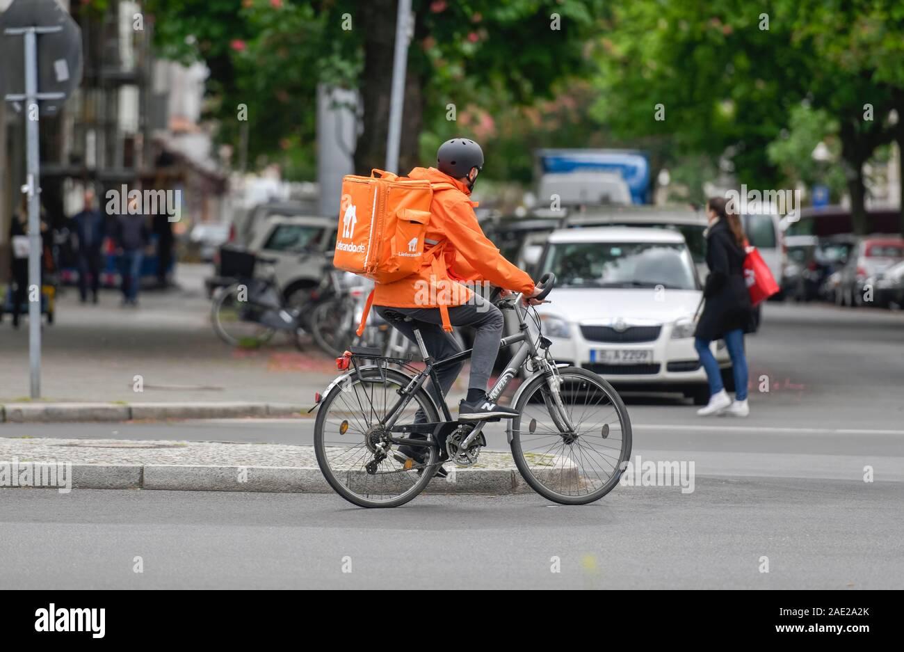 Lieferando-Fahrer, Wilmersdorf, Berlin, Deutschland Stock Photo