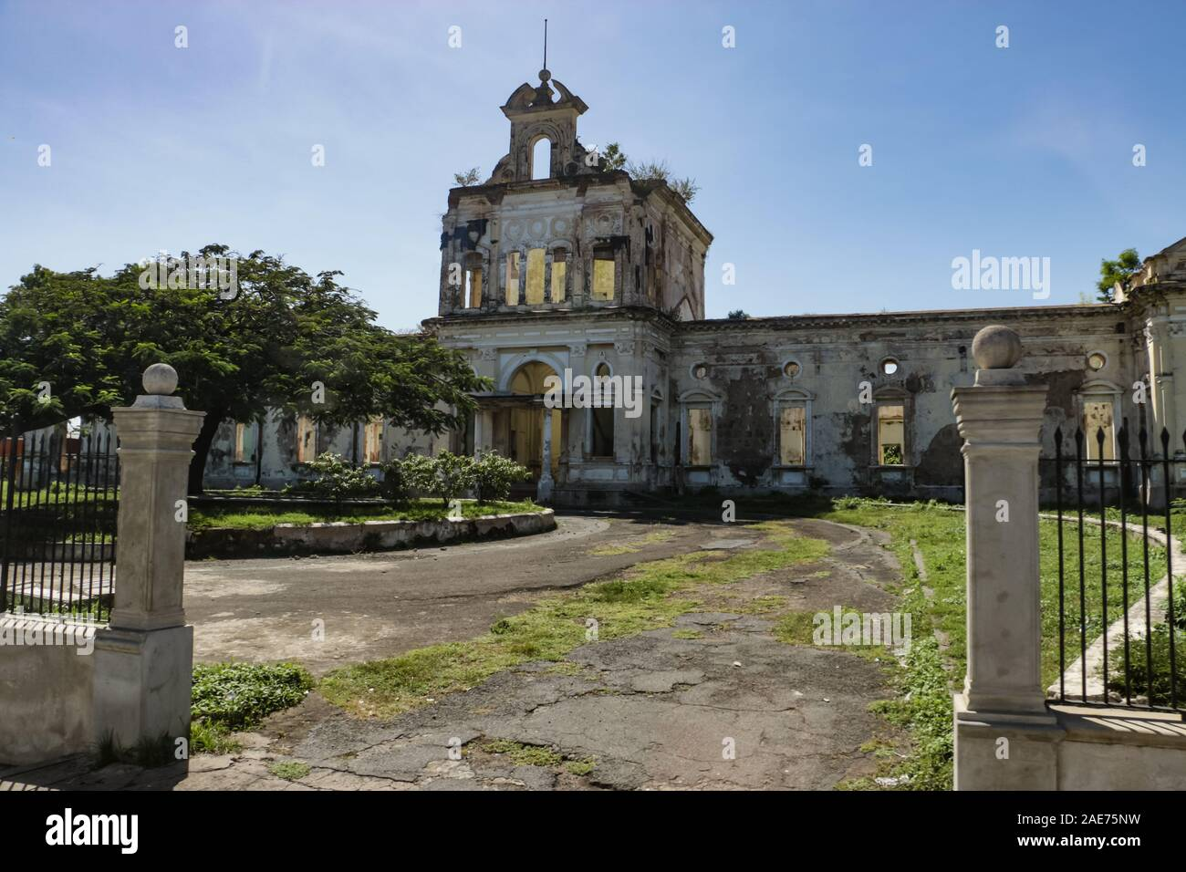 Abandoned Hospital Exterior High Resolution Stock Photography And Images Alamy