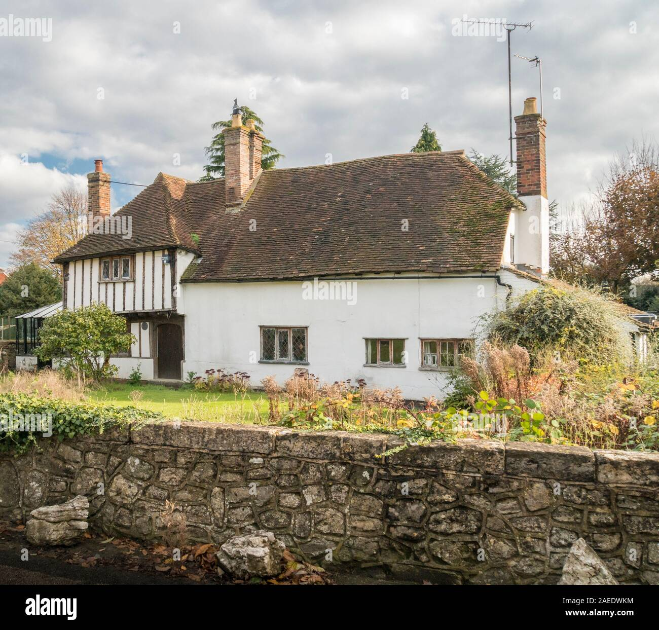 An ancient cottage in the village of Weavering, Kent, UK Stock Photo