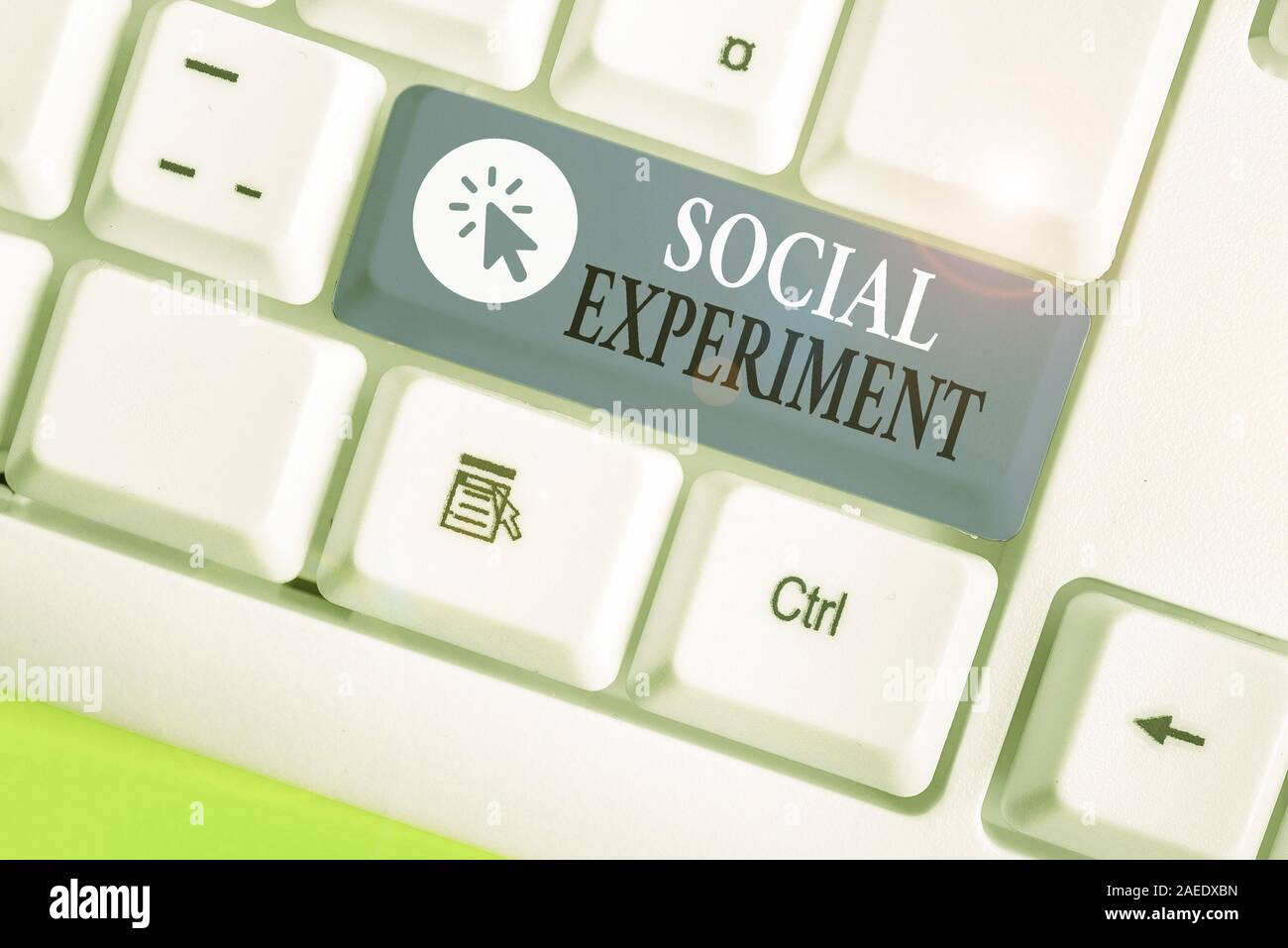 Writing note showing Social Experiment. Business concept for the research project conducted with huanalysis subjects Stock Photo