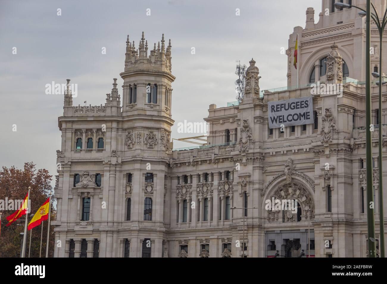 Refugees Welcome Message On Palacio De Cibeles Palacio De