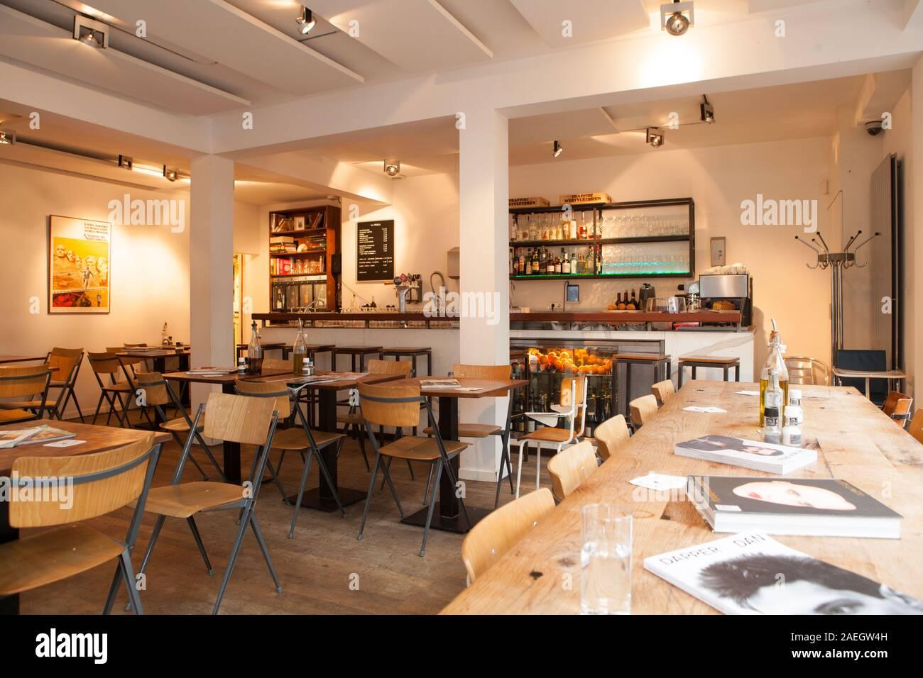 Digital Izar entidad  La Perla Restaurant High Resolution Stock Photography and Images - Alamy