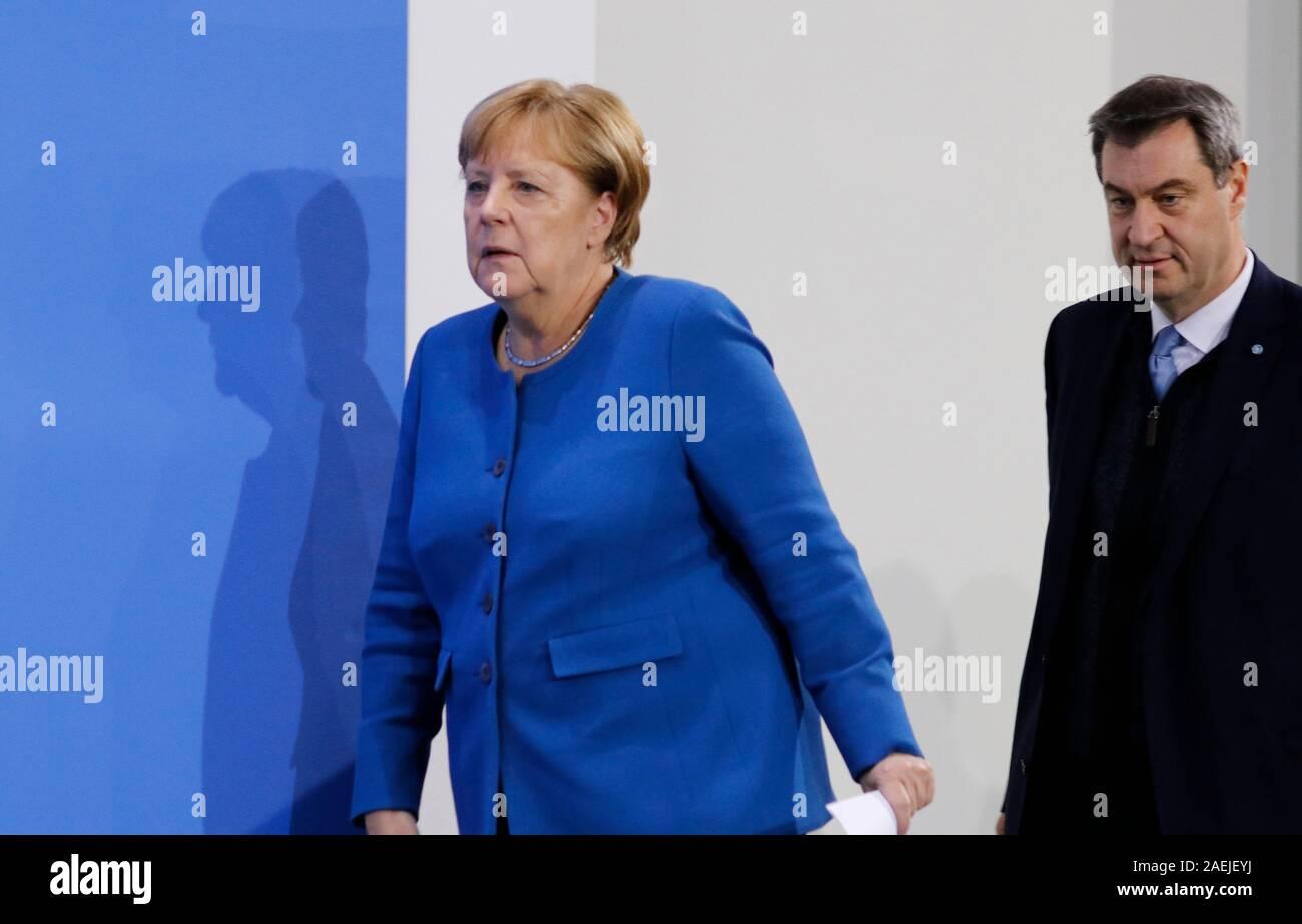 Angela Merkel, Markus Soeder - Pressekonferenz nach Treffen der dt. Bundeskanzlerin mit den Regierungschefs der Laender, Bundeskanzleramt, 5. Dezember Stock Photo