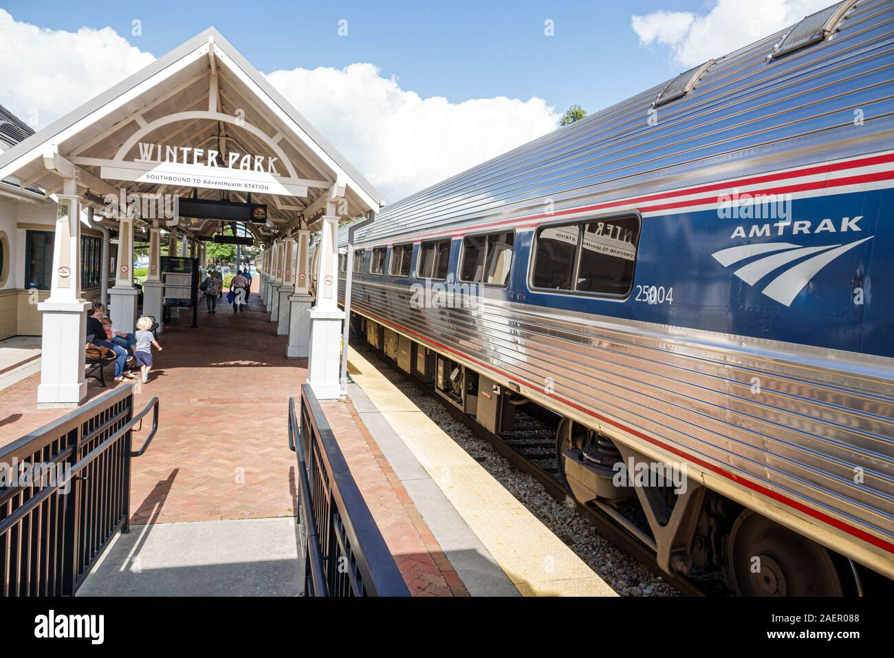 orlando train station high resolution stock photography and images alamy https www alamy com florida orlando winter park amtraksunrail amtrak sunrail station train railway station depot platform track image336107304 html
