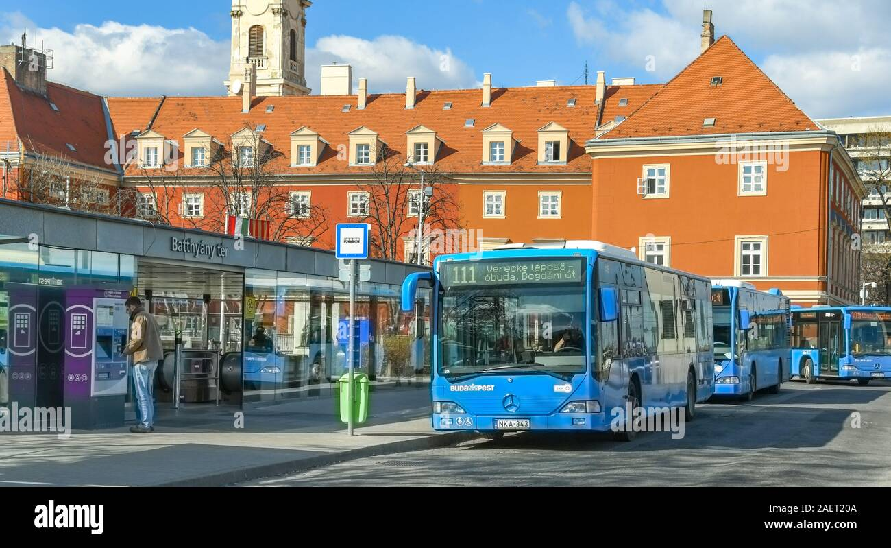 BUDAPEST, HUNGARY - MARCH 2019: Public services buses lined up at a bus stop in Budapest city centre Stock Photo