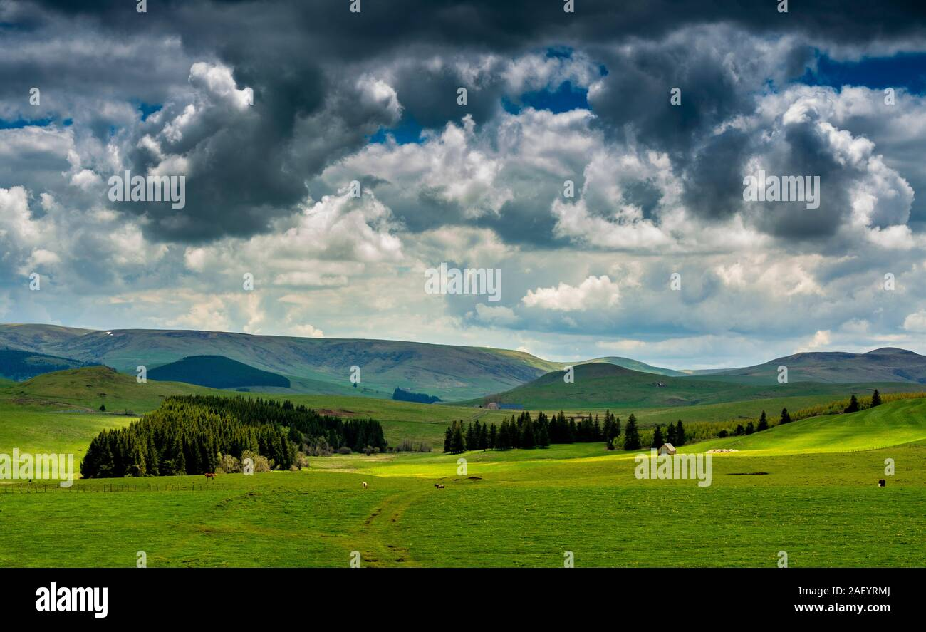 Mountains and rolling hills landscape of Cezallier Stock Photo