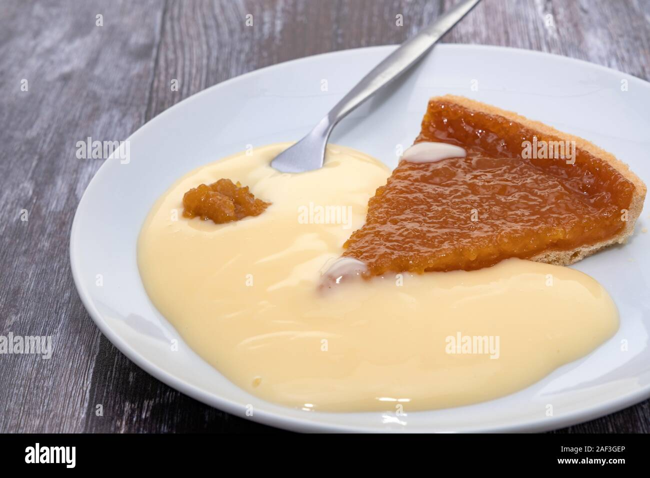 Treacle Tart And Custard Stock Photo Alamy