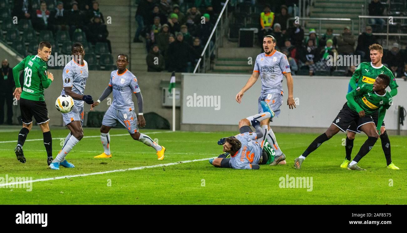 Download Man United Vs Istanbul Baåÿakåÿehir