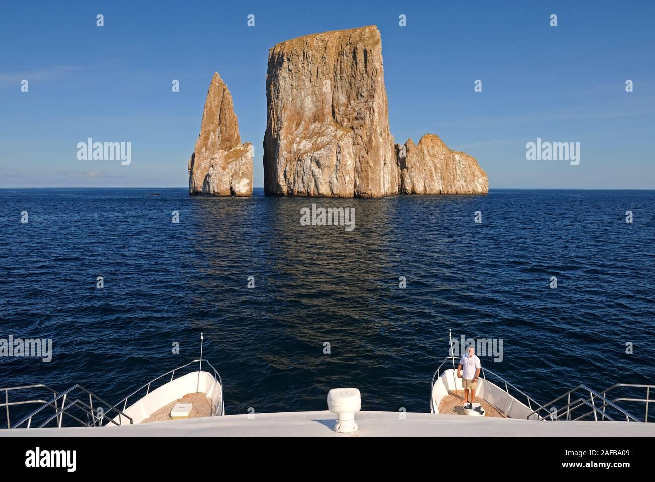Kicker Rock nahe der Insel San Cristobal, Galapagos, Unesco Welterbe, Ekuador, Suedamerika Stock Photo