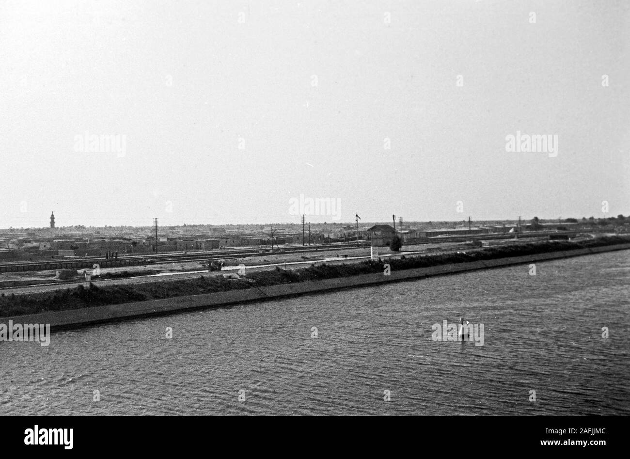 Der Suez Kanal bei Port Said, 1955. Suez Canal near Port Said, 1955. Stock Photo