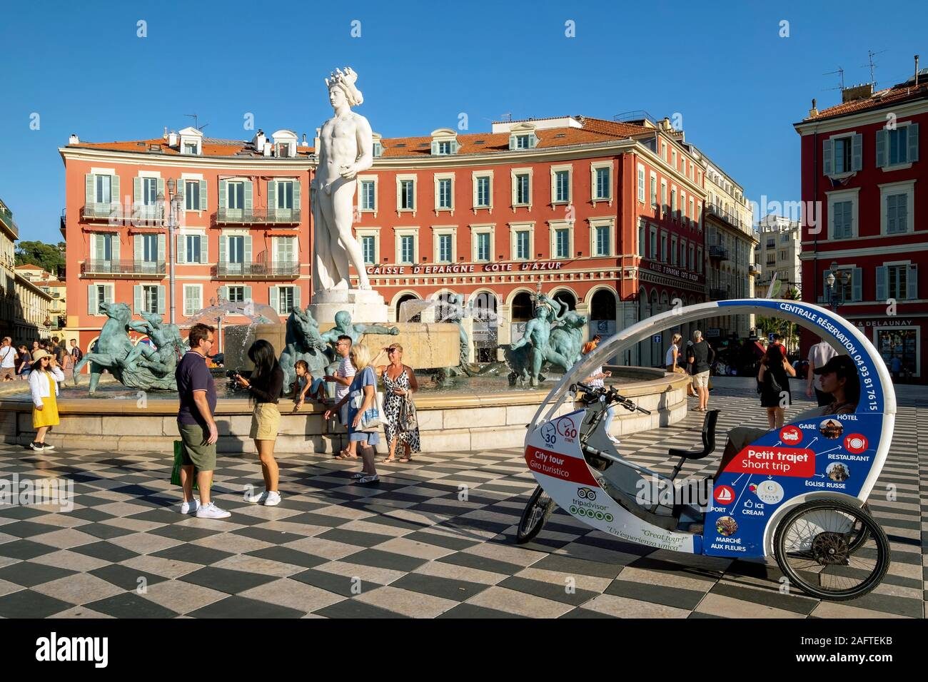Fontaine du soleil / Fountain of the Sun, statue of Apollo, Place Masséna Square, Nice, Côte d'Azur, France, Europe Stock Photo