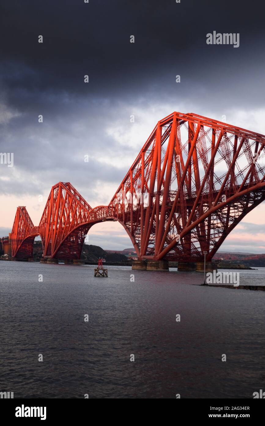 One of the engineering wonders of the world the Forth Bridge which carries rail traffic across the Firth of Forth in Scotland opened in 1890. Stock Photo