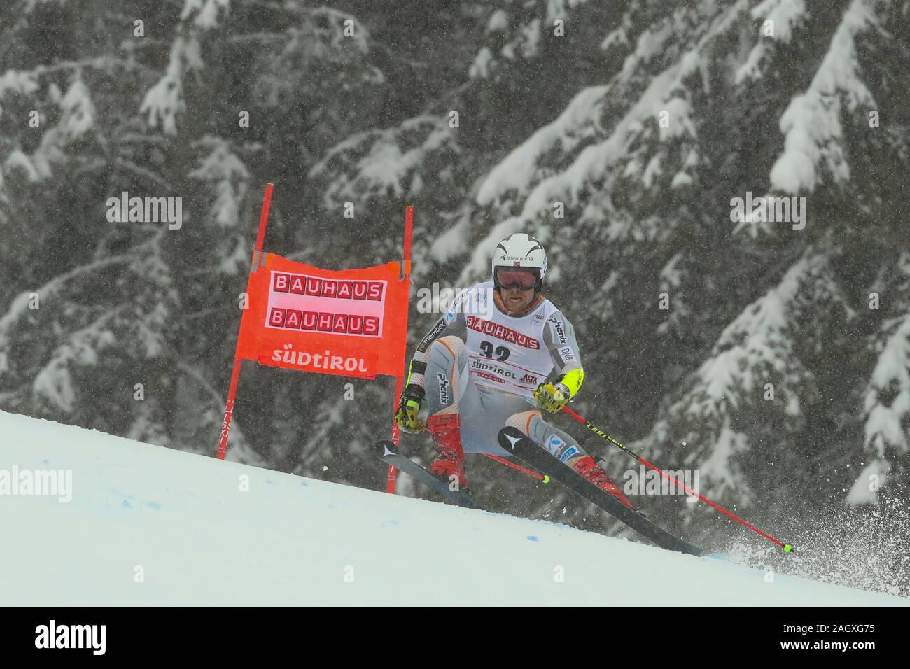 Alta Badia, Italy. 22nd Dec, 2019. Giant Slalom Men, Ski in Alta Badia, Italy, December 22 2019 Credit: Independent Photo Agency/Alamy Live News Stock Photo