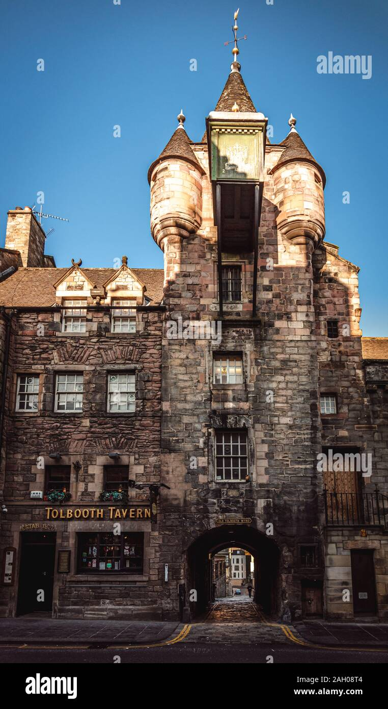EDINBURGH, SCOTLAND DECEMBER 14, 2018: A view of the historic Tolbooth Tavern situated along Canongate on the Royal Mile in Edinburgh. Stock Photo