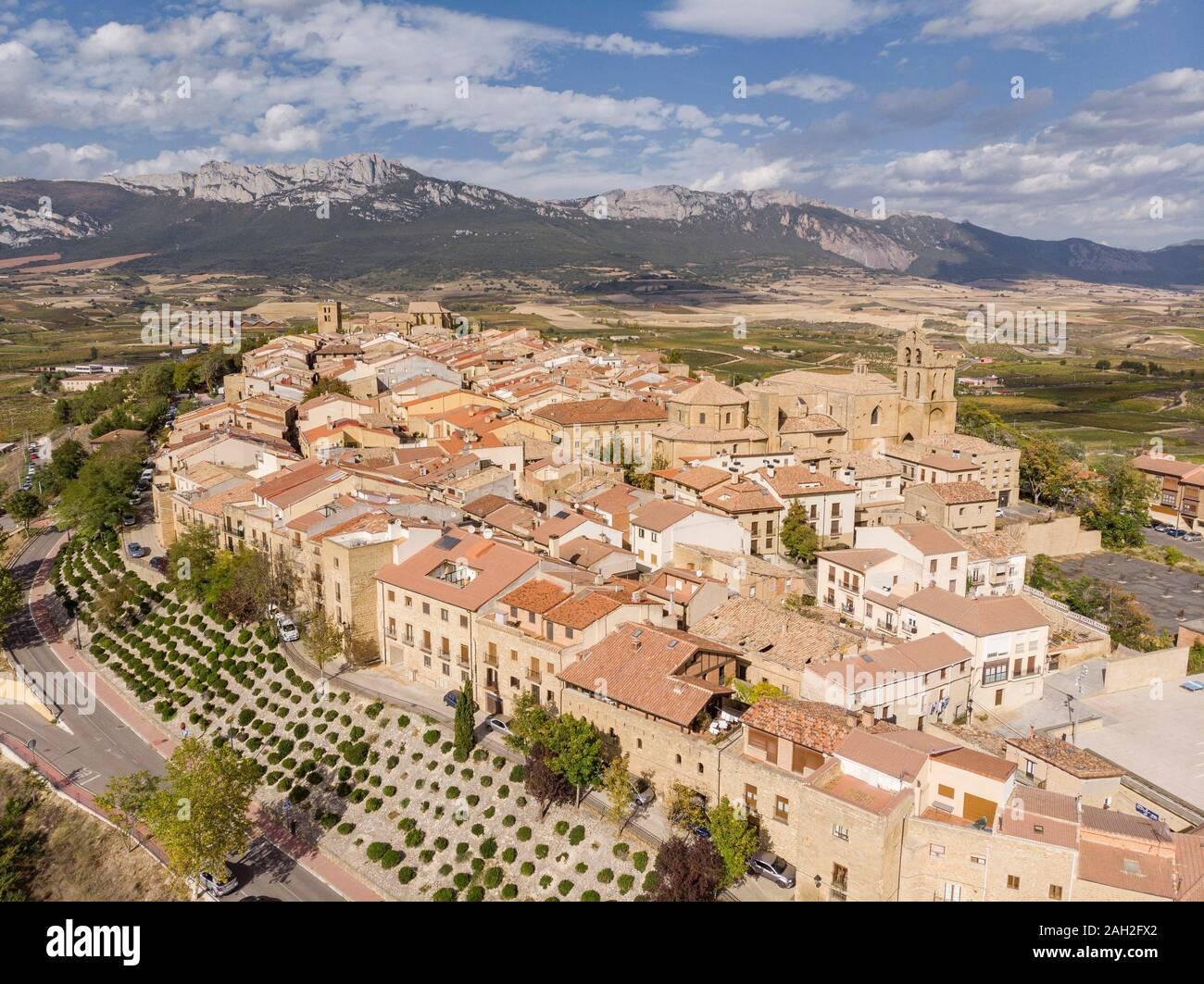 Pueblos de España que merecen ser visitados Laguardia-alava-pas-vasco-spain-2AH2FX2