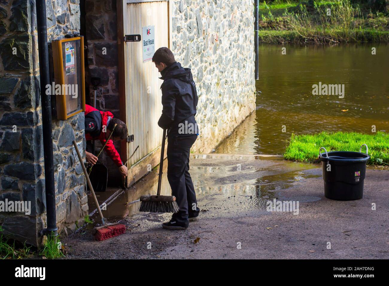 25 October 2017 Workmen carrying out routine maintenance on the door of the Lagan Boat House at shaw's Bridge in South Belfast Northern Ireland. This Stock Photo