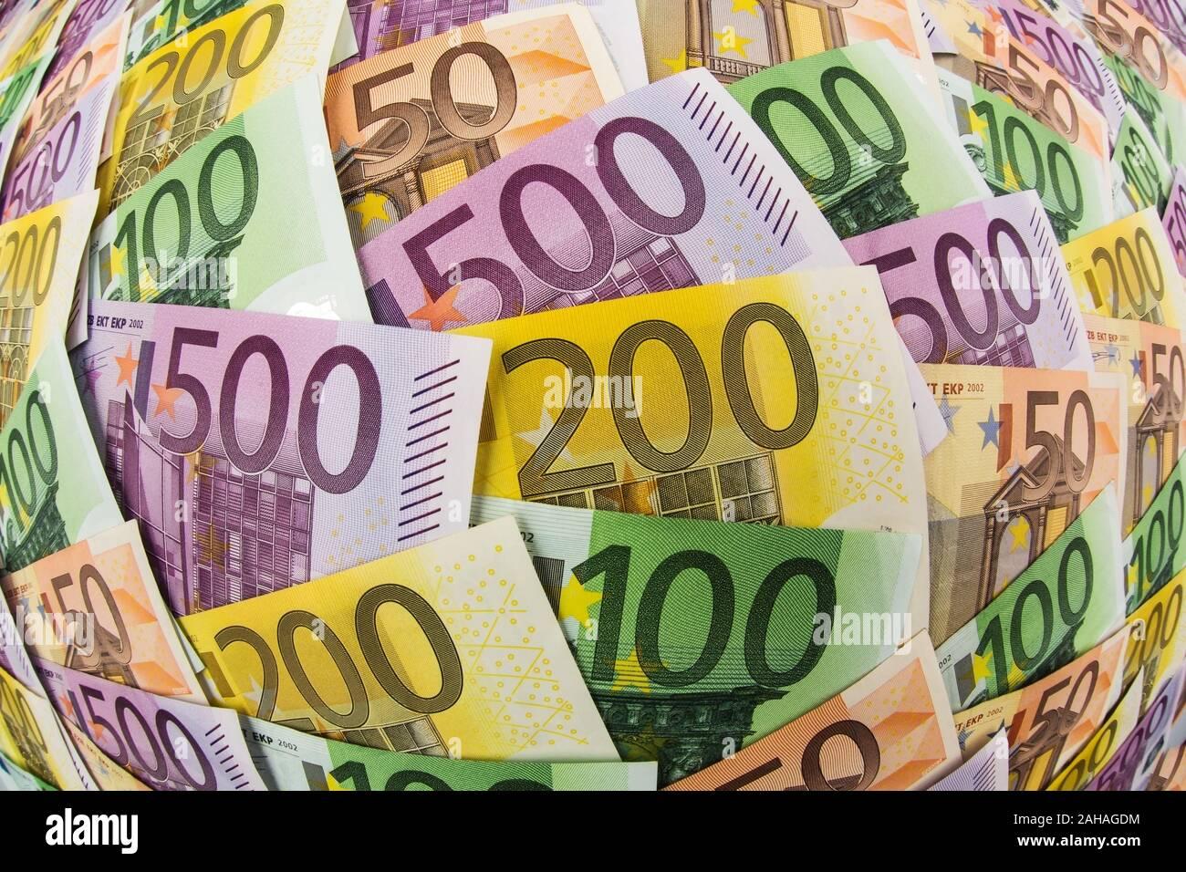 Viele verschiedene Euro Geldscheine, Symbolfoto für Reichtum und Geldanlage. Stock Photo