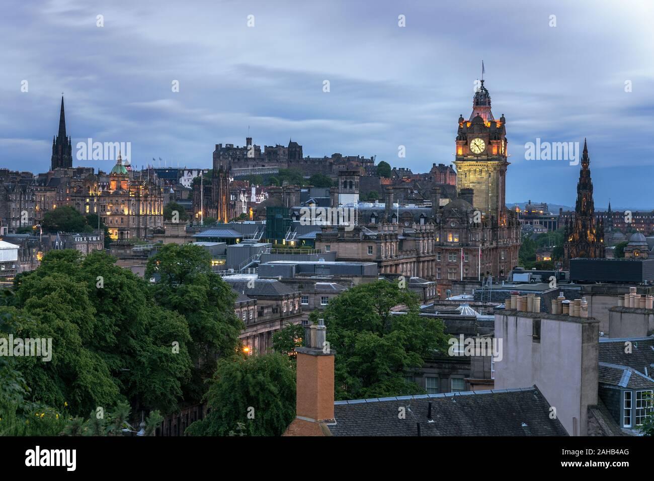 View of Edinburgh skyline at dusk Stock Photo