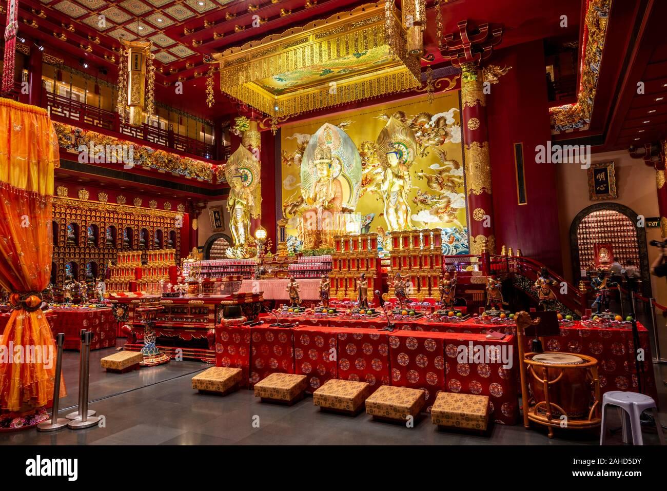 Interior view, Buddha Tooth Relic Temple, Chinatown, Singapore Stock Photo