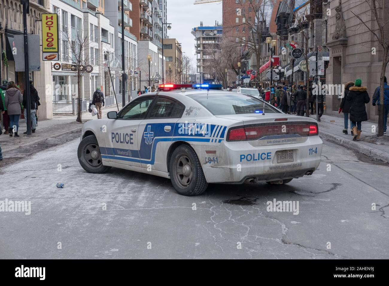 MONTREAL QUEBEC CANADA SPVM POLICE SHOULDER PATCH