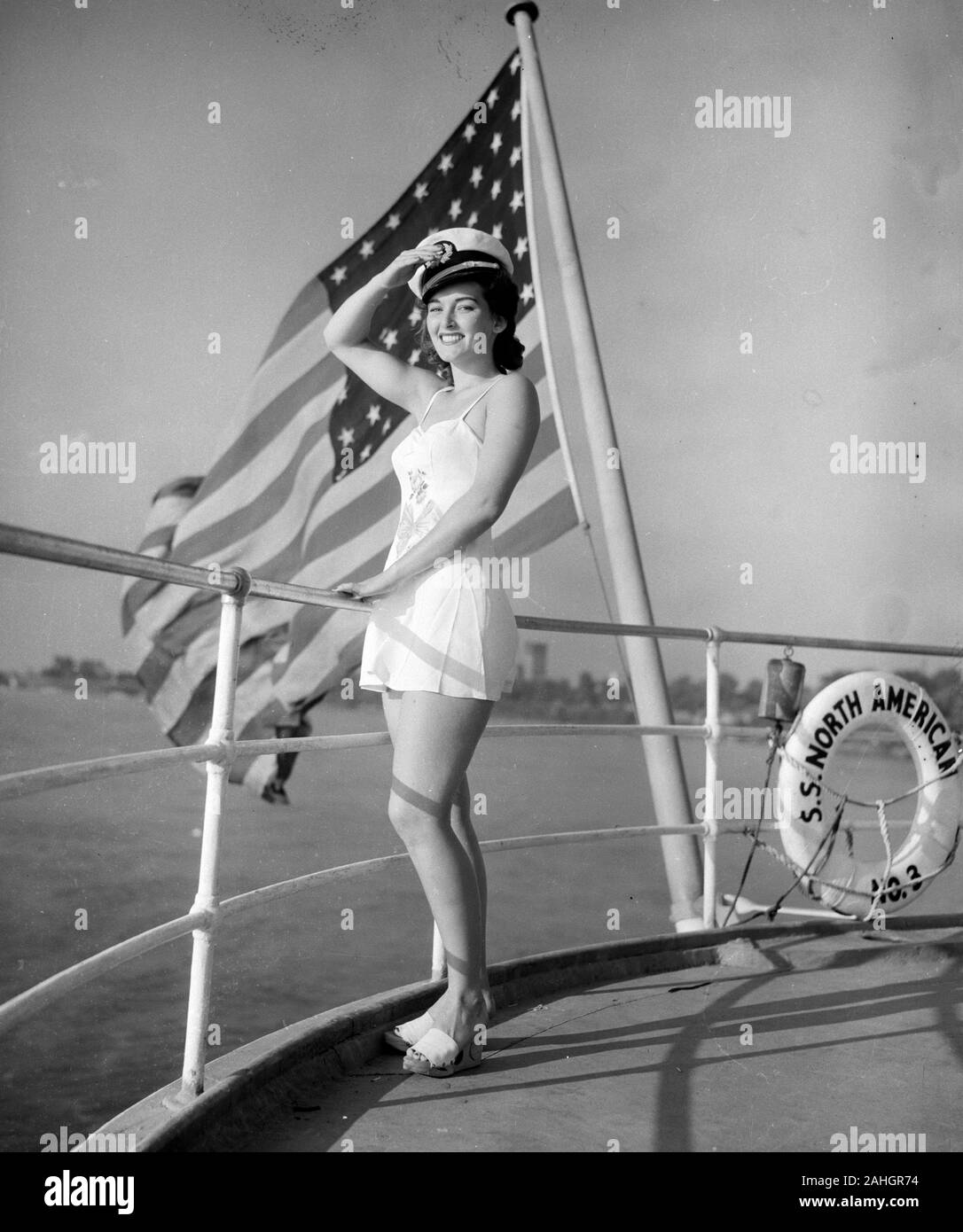 Passenger aboard the SS North America 1942 Stock Photo