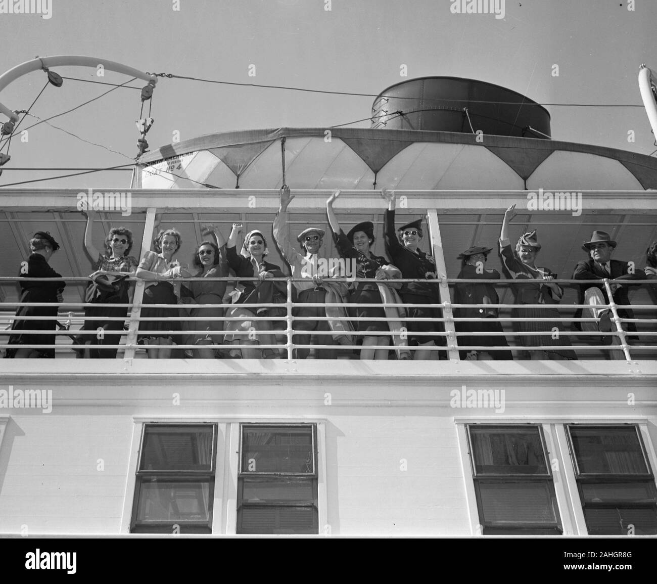 Passengers on the SS North America, 1942 Stock Photo