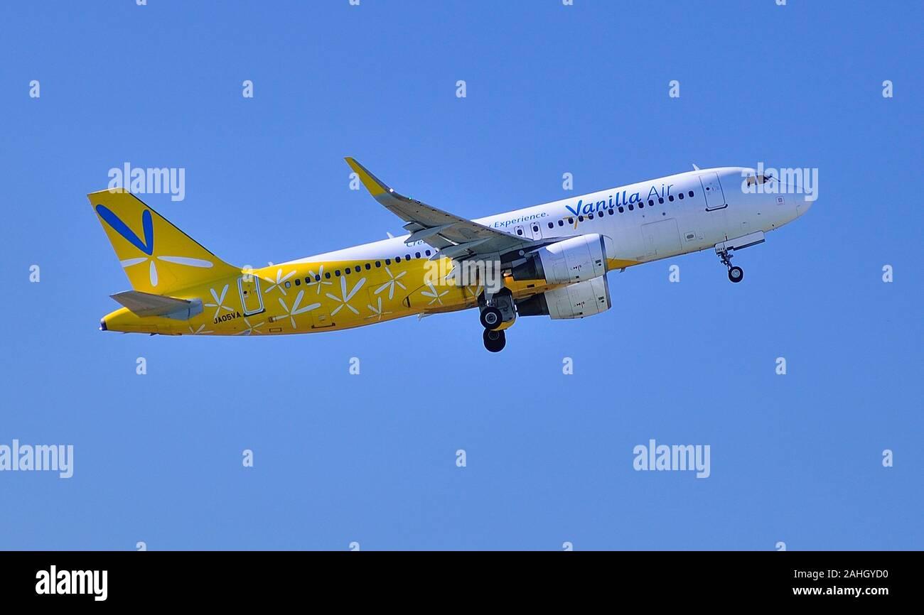 Vanilla Air, Airbus, A320, JA05VA, Take Off, Narita Airport, Chiba, Japan Stock Photo