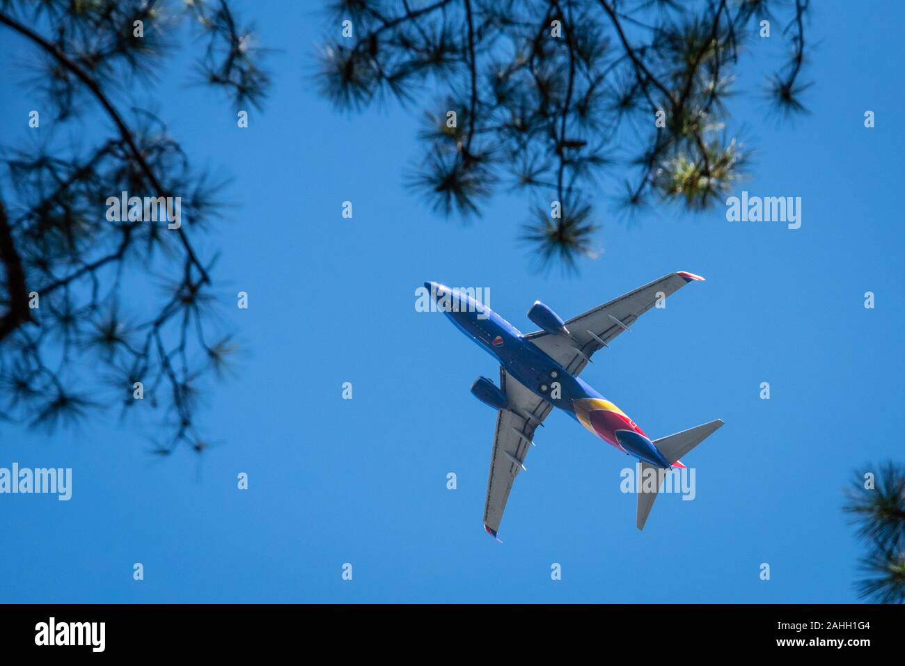 Southwest Airlines passenger jet on approach to Hartfield-Jackson Atlanta International Airport in Atlanta, Georgia. (USA) Stock Photo