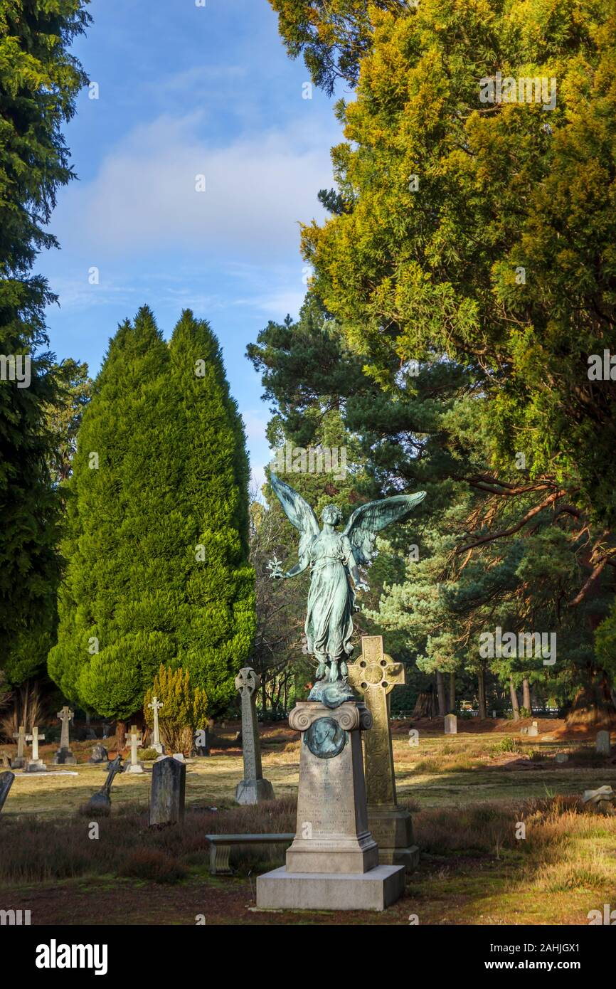 Memorial with statue of an angel in South Cemetery, Brookwood Cemetery, Cemetery Pales, Brookwood, near Woking, Surrey, southeast England, UK Stock Photo