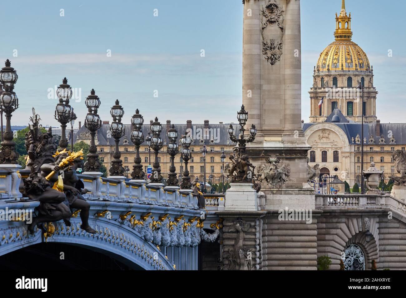 Pont Alexandre III, Hôtel des Invalides, Paris, France Stock Photo