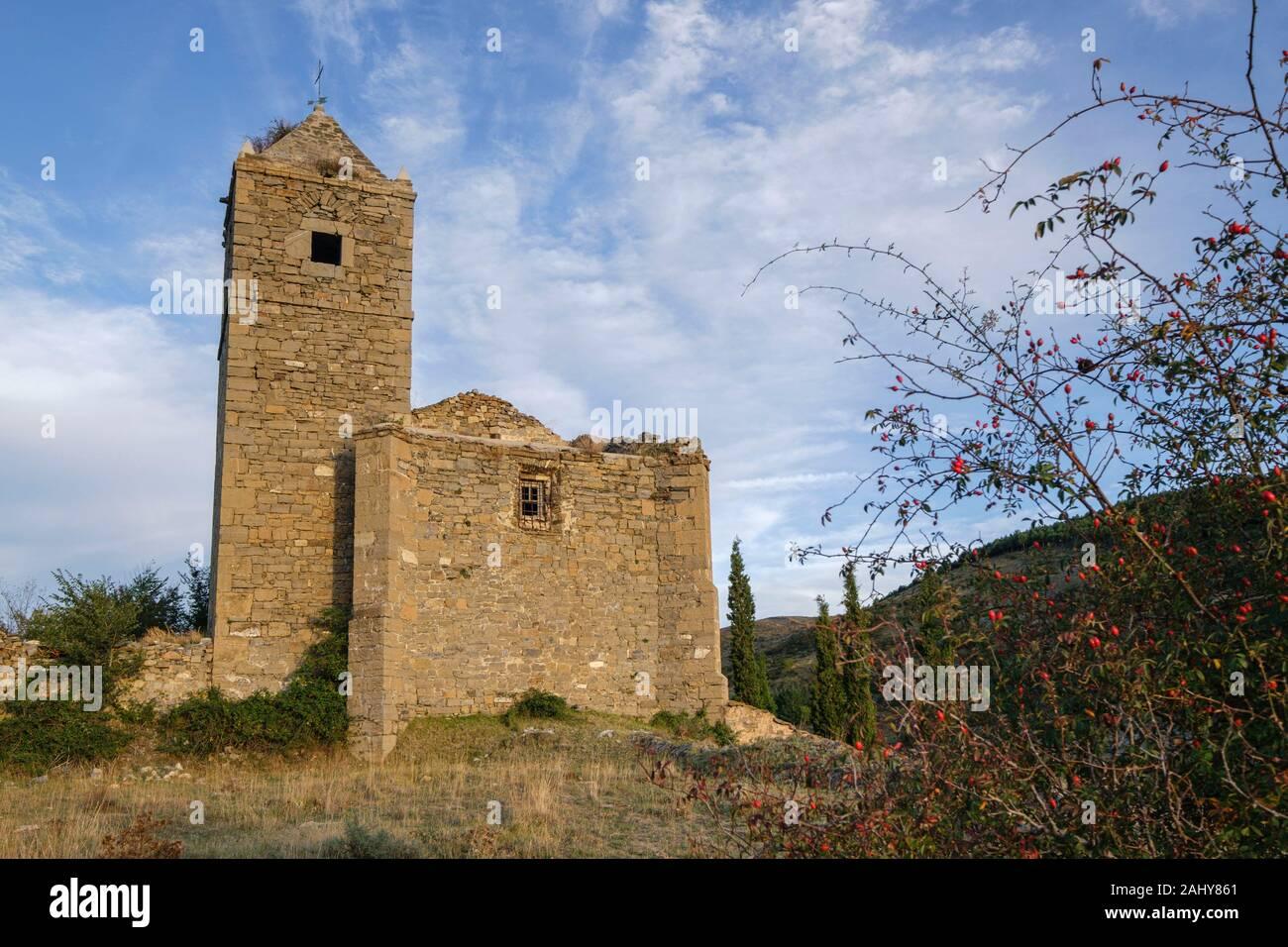Iglesia de Santiago, en ruinas, Navalsaz, La Rioja , Spain, Europe. Stock Photo