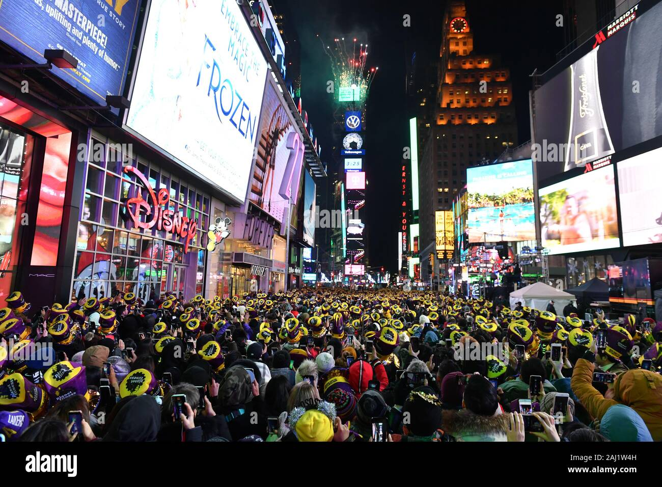Times Square New Years Eve High Resolution Stock Photography And Images Alamy