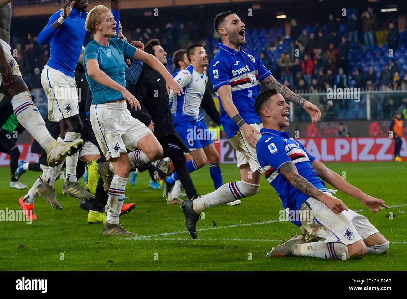 Genoa, Italy - 14 December, 2019: Fabio Depaoli (R) of UC Sampdoria and Nicola Murru (2nd from R) of UC Sampdoria celebrates the victory with their teammates at the end of the Serie A football match between Genoa CFC and UC Sampdoria. UC Sampdoria won 1-0 over Genoa CFC. Credit: Nicolò Campo/Alamy Live News Stock Photo